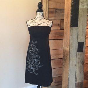 B Moss STRETCH black strapless dress with design